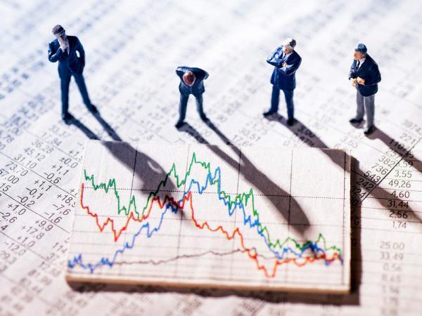 مانور حقوقی ها روی بانکی ها، 5 سهمی که بیشترین سود دادند